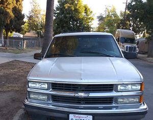 1995 chevy tahoe for Sale in Fresno, CA