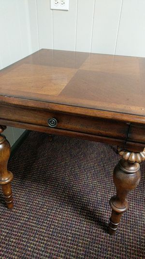 Solid wood end table for Sale in St. Louis, MO