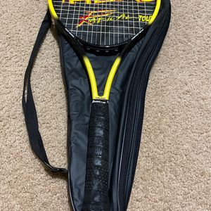 Head Radical Professional tennis Racket for Sale in Everett, WA