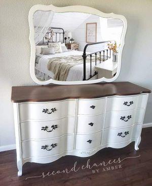 White Dresser with Mirror for Sale in Brighton, CO
