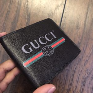 Gucci wallet for Sale in Salinas, CA