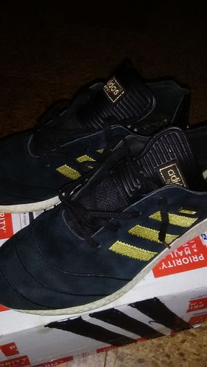 Adidas size 10 for man for Sale in Wheaton, MD