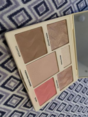 Cover FX Light to Medium Perfector Face Palette for Sale in Dallas, TX