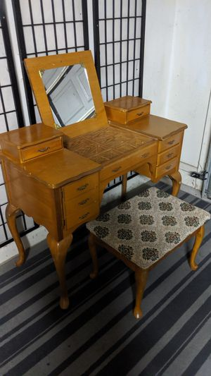 vintage solid wood vanity desk stool and jewelry box for Sale in Chandler, AZ