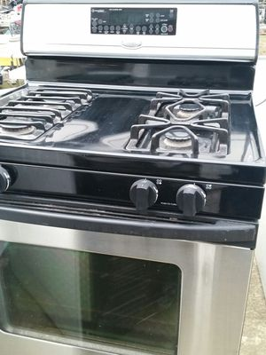 Stainless Gas stove 4 months warranty for Sale in Alexandria, VA