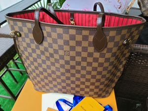 Louis Vuitton Neverfull bag MM for Sale in Allentown, PA