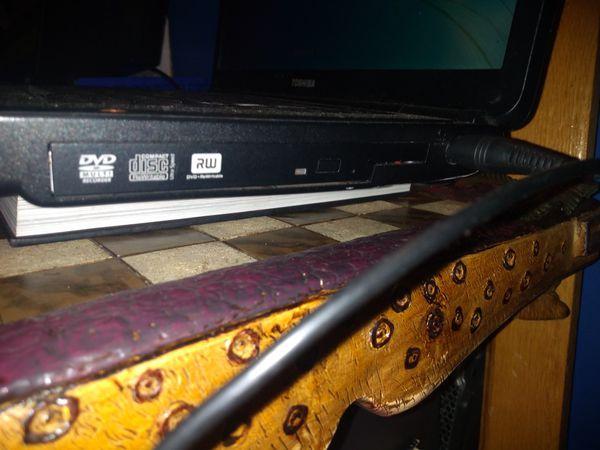 AMD Dual Core 2.0 overclockable // 120 GB // ATI Radeon Graphics // 3GB Ram Beginner Laptop