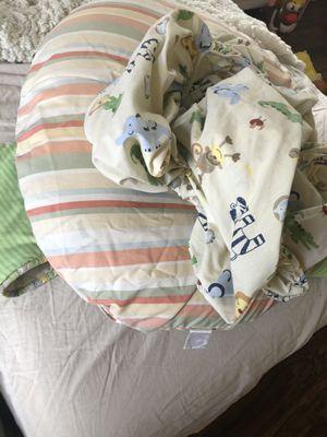Free bedding baby crib safari theme for Sale in Las Vegas, NV