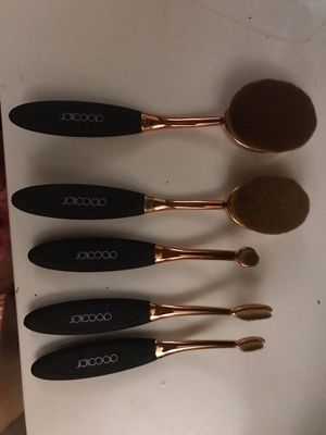 5 pcs oval makeup brushes lot for Sale in Tacoma, WA