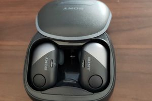 SONY wireless bluetooth eair headphones black, blue, white for Sale in Coral Springs, FL