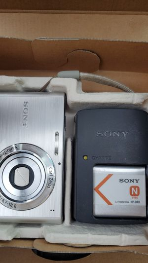 Sony cyber shot digital camera open box for Sale in Largo, FL