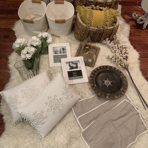 Lots Of Decorative Home Wares Restoration Hardware, West Elm Etc for Sale in Los Angeles, CA