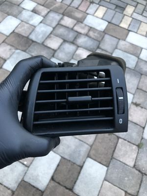 2000-2005 BMW E46 LEFT DRIVER SIDE DASH VENT for Sale in Riverview, FL