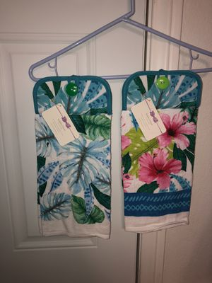 Summer hanging kitchen towels for Sale in Apple Valley, CA