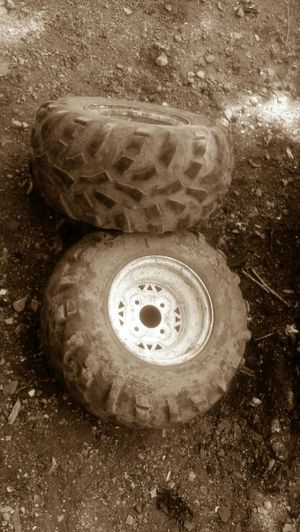 Great tread and rims for riding lawn mowers at22xif10 for Sale in St. Louis, MO