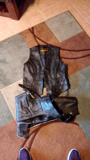 Unix ladies leather lined motorcycle vest and chaps for Sale in Pasadena, TX