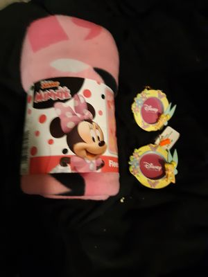 Disney Minnie mouse fleece throw and 2 Disney Tinkerbell 2 inch by 2 inch photo holder for Sale in St. Louis, MO