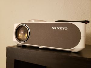 Full HD projector with 100 inch screen for Sale in Irving, TX
