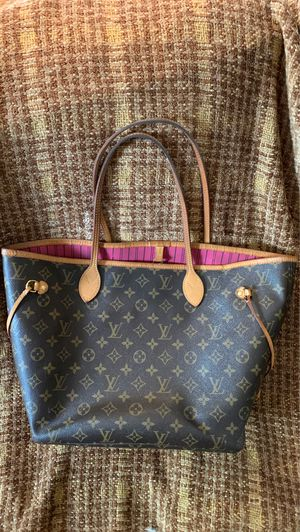 Authentic Louis Vuitton MM monogram never full in good condition for Sale in Dallas, TX