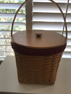 Handwoven Collectible Longaberger basket for Sale in Las Vegas, NV