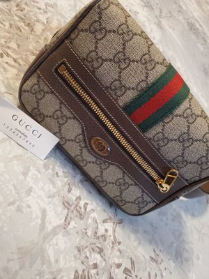 100% authentic Gucci bag/fanny pack for Sale in San Bernardino, CA