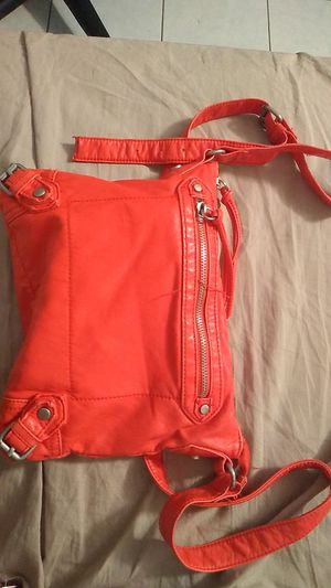 Red-Orange Purse for Sale in Lauderdale Lakes, FL