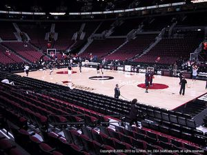 Lakers vs Trailblazers 100 level seat for Sale in Portland, OR