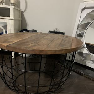 Coffee Table for Sale in Loganville, GA