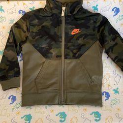 Nike Jacket 18 M for Sale in Murfreesboro,  TN