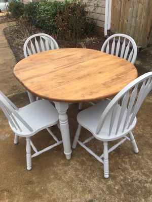 Kitchen table and chairs for Sale in Holly Springs, NC