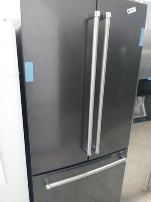 Kitchen Aid french door in dark stainless for Sale in Los Angeles, CA