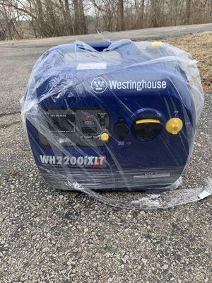 2200iXLT inverter generator for Sale in Wildwood, MO