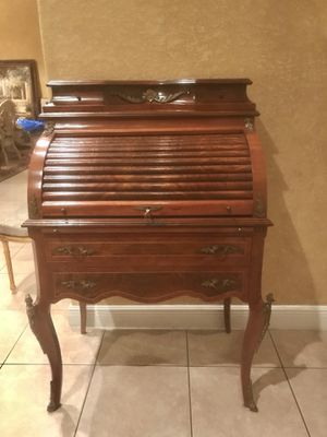 Beautiful LOUIS XV French style secretary desk with key for Sale in Hollywood, FL