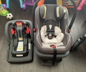 Graco Car Seat and Stroller With 2 car seat bases for Sale in Orlando, FL