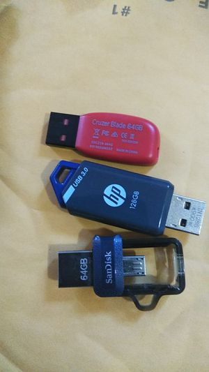 Thumb drives 128,64,64 for Sale in Albany, NY
