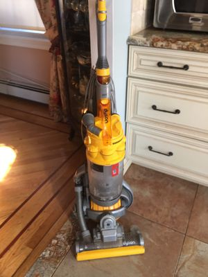 Dyson large ball vacuum for Sale in Levittown, NY
