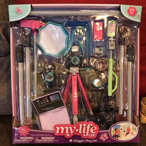 "New My Life As Vlogger Play Set for 18"" Dolls: can Be Used With Our Generation & American Girl Dolls for Sale in Norco, CA"