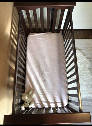 Baby crib/ Toddler bed/bumper for Sale in Bothell, WA