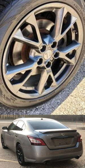 Price$1200 Nissan Maxima for Sale in Janesville, WI