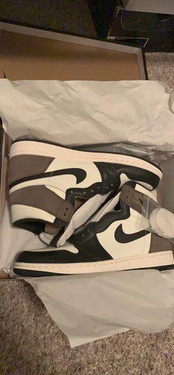 Jordan 1 High Dark Mochas Size 10 for Sale in Peoria,  IL