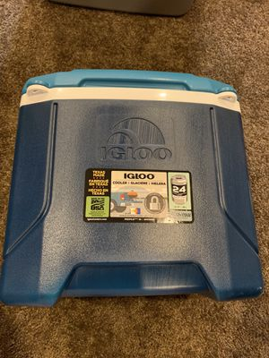 Igloo 16 qt cooler for Sale in Middle River, MD