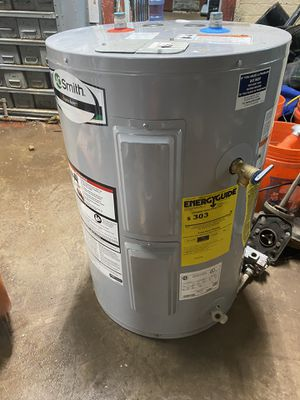 Low low boy electric water heater for Sale in Richmond Heights, OH
