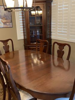 Amish Dining Room Table & 2 Corner Hutches for Sale in Henderson,  NV