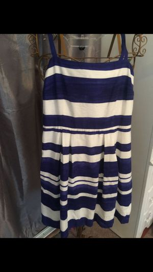 Ann Taylor short summer dress striped blue & white size 4 pristine for Sale in Northfield, OH