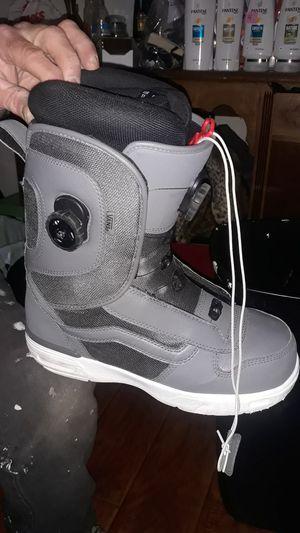 Van's snow boots for Sale in Oxnard, CA