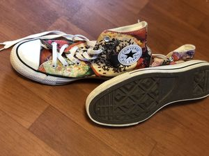 Converse LIMTED EDITION donut sneakers! Women's size 8 for Sale in Fairfax, VA