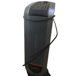 Black Lasko Tower Fan/heater W/ Remote for Sale in Vancouver, WA