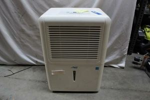 Arctic King dehumidifier Model: MDK-70AEN1BA9 for Sale in Los Angeles, CA