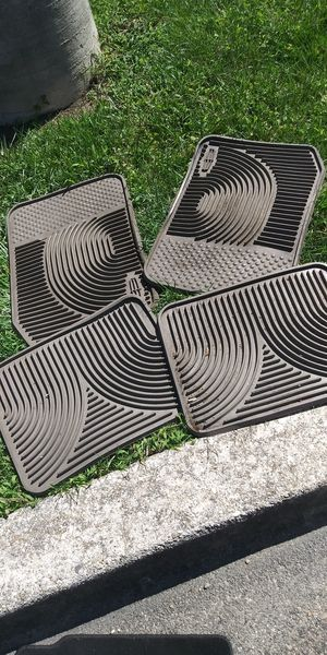 Lincoln all weather mats for Sale in Hyattsville, MD