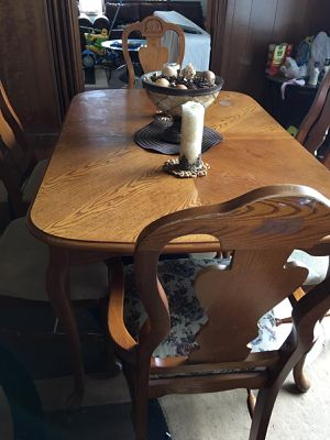 Dining table with chairs (moving sale) for Sale in Hamtramck, MI